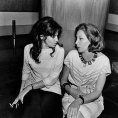 Glauce Rocha e Clarice Lispector nos bastidores de 'Perto do Coração Selvagem', em 1965 (Foto Carlos.Cedoc/Funarte)