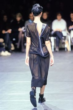 Comme des Garçons Fall 2000 Ready-to-Wear Accessories Photos - Vogue