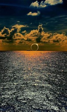 South Pacific eclipse captured over the ocean. 2016. - Imgur