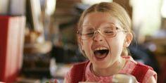 Olive Hoover, une petite fille en surpoids a été sélectionné pour participer à un concours de beauté pour enfants en Californie. Sa famille loufoque l'y emmène en van. Le film culte sorti en 2006 sera diffusé ce dimanche 26 juillet à 21h sur Arte. Donnie Darko, Little Miss Sunshine, Godzilla, Netflix, A Funny Thing Happened, Abigail Breslin, Get What You Want, Marie Claire, Culture