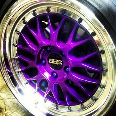 someday...when I have a nice car...I'm making my rims look like this.
