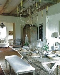 French Provincial dining room. Annelle Primos. #French #decor