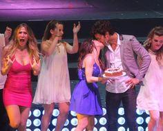 Mariano Martínez festejó su cumpleaños en el show de Esperanza Mía a los besos con Lali Espósito   Esperanza Mía, Mariano Martínez, Lali Espósito - Teleshow