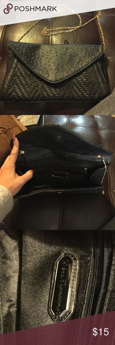 Black purse Brand new black with gold chain purse Urban Expressions Bags Shoulder Bags