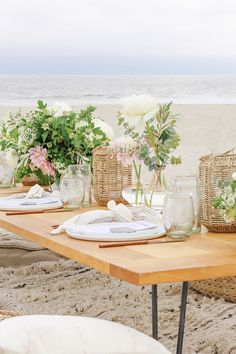 Gorgeous summer party place setting
