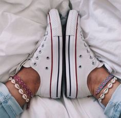 VSCO summer friendshipbracelet converse relatablelife therelatablelife is part of Jewelry inspo - Summer Bracelets, Ankle Bracelets, Summer Jewelry, Cute Shoes, Me Too Shoes, Mode Lookbook, Summer Outfits, Cute Outfits, Accesorios Casual