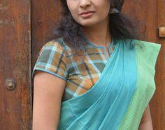 Kalli Kalli Kaithari Saree by TheKaithariProject on Etsy Cotton Saree Blouse Designs, Blouse Patterns, Fashion Blogs, Women's Fashion, Fashion Trends, Kalamkari Saree, Darjeeling, Saree Models, Indian Wedding Outfits