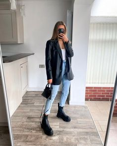 Blazer Outfits Casual, Trendy Outfits, Cool Outfits, College Outfits, Office Outfits, Winter Fashion Outfits, Fall Winter Outfits, Outing Outfit, Elegantes Outfit