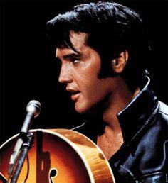 A beautiful looking & sounding man. R.I.P Elvis.