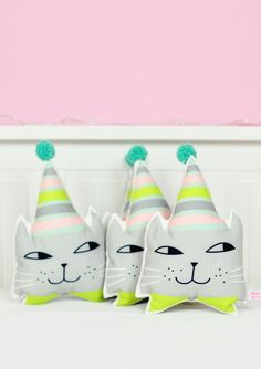 kitten head mini pillows with pom pom or wall decor for kids room or nursery - by PinkNounou