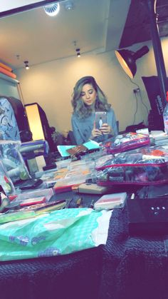 this is cute Zoella Makeup, Zoella Beauty, Most Popular Youtubers, British Youtubers, Zoe Sugg, Caspar Lee, Shes Amazing