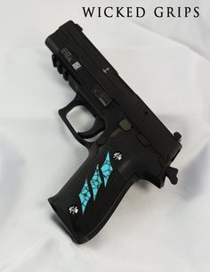 Wicked Grips Sig grips and grip screws with class Ninja Weapons, Weapons Guns, Guns And Ammo, Pretty Knives, Cool Knives, Outdoor Activities For Adults, Sig Sauer P238, Armas Ninja, Guns And Roses