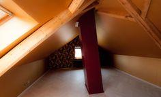 Handwerker Firma: Domenico Rosa Malergeschäft New Colour Bülach / Material: Dachschrägen, Vliestapete, JAB Symbolic Silky Plain / Giebelseite, Textiltapete JAB Symbolic Scenic