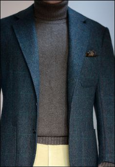 """voxsart: The Casual Monday Cashmere Roll Neck And Jacket Crowd. Coat by Steed (Edwin DeBoise) in the late lamented Scabal Shetland """"tweed,"""" John Laing cashmere sweater, Rubinacci madder square, and Attolini moleskin trousers. Sharp Dressed Man, Well Dressed Men, Mens Fashion Suits, Mens Suits, Stylish Men, Men Casual, Casual Menswear, Style Gentleman, Ivy League Style"""