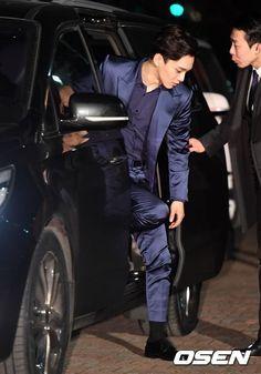 Kim Jongdae can have my soul Baekhyun Chanyeol, Park Chanyeol, Shinee, 5 Years With Exo, Kai, Fandom Kpop, Kim Jong Dae, Exo Album, Korean Boy