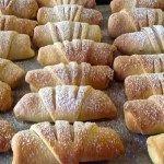 Μηλοπιτακια φανταστικα !!! Greek Sweets, Greek Desserts, Greek Recipes, Apple Pie Recipes, Fruit Recipes, Dessert Recipes, Recipies, Sweet Buns, Sweet Pie
