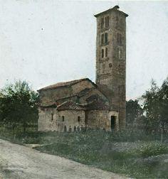 Strada per Lanzo e la Chiesa di San Martino, inizialmente  chiesa della Pieve di Liramo, sorta agli inizi dell'anno 1000, ecco come si presentava alla fine dell'800...