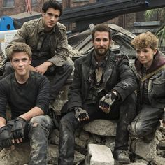 Falling Skies Season 3 Premiere Review - Brian Gallagher takes us through all the intriguing new developments in this two-hour premiere, debuting Sunday, June 9th at 9 PM ET on TNT.