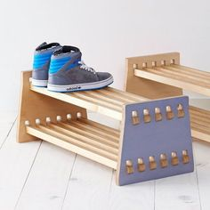 starred Fancy - Shoe Rack Más Selecting The Right Patio Furniture Cushions Article Body: The right p Plywood Furniture, Furniture Projects, Kids Furniture, Wood Projects, Modern Furniture, Smart Furniture, Furniture Design, Cnc Wood, Wood Joinery