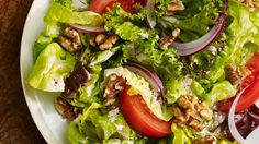 This classic salad gets an upgrade with toasted walnuts that are sprinkled in the salad and blended into the dressing. Walnut Recipes, Raw Food Recipes, Salad Recipes, Healthy Recipes, Delicious Recipes, Meatless Recipes, Salad Bar, Soup And Salad, Vinaigrette