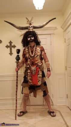 Urban Voodoo - Halloween Costume Contest via … Doctor Halloween Costume, Voodoo Costume, Voodoo Halloween, Tribal Costume, Halloween Costume Contest, Halloween Diy, Cool Costumes, Costume Ideas, Mardi Gras Costumes