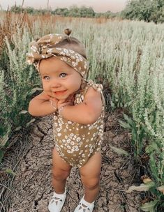 Cute Little Baby, Baby Kind, Little Babies, Cute Babies, Future Mom, Future Daughter, Baby Girl Fashion, Kids Fashion, Foto Baby