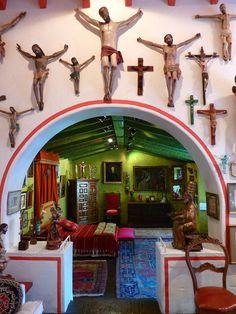 Museo Robert Brady in Cuernavaca Mexico love the interior of the room
