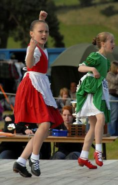 The Irish Jig is a Scottish caricature of an Irish person, gesturing angrily and frowning, and also a tribute to Irish stepdancing. It is based on traditional Irish steps but with arm movements added. The Scottish version of the Irish Jig is meant to parody an angry Irish washerwoman when she finds out some neighbourhood boys have knocked all her clean washing to the ground.