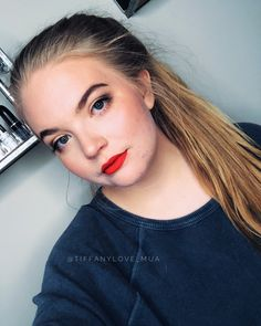 """That popmof color on the lips! 😍🌶 All Limelight by Alcone Products for this basic summer and spring makeup. Botanical Foundation, Perfect Pressed Powder, Perfect Bronzer, Keen Blush, Enduring Lip Color in """"Candy Apple,"""" Perfect Mascara, 10 Yrs You her Finishing Spray. 🌶 Limelife by Alcone, Perfect Liquid Lipstick, red orange, orange lips, summer makeup, cruelty free, paraben free"""