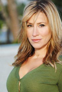 Lisa Ann Walter- Bruce Almighty and The Parent Trap.  Loved her as Chessy.