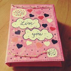 Lovebook, alebo Kniha lásky a Vašich spoločných spomienok, vytvorená scrapbook technikou.<br>Rozmery knihy: 15 x 22 cm<br>Rozmery strán: 14,5 x Scrapbooks, Scrapbooking, Scrapbook, Guest Books