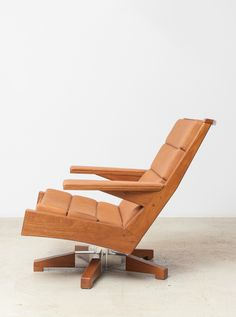Saquarema revolving armchair by Brazilian designer Carlos Motta. Available at Espasso.