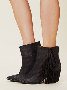 Sawyer Ankle Boot- Free People  (the only reason to tolerate the winter is getting to wear BOOTS)
