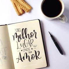 O melhor lugar é onde tem amor!  #handlettering #lettering #handmade #brushlettering #brushpen #amor #caxiasdosul #love #lovequotes #quotes #inspirationalquotes #café #coffee Art Journal Backgrounds, Meant To Be Quotes, Journal Quotes, Lettering Tutorial, Typography Letters, Brush Lettering, Brush Pen, Distress Ink, Bullet Journal