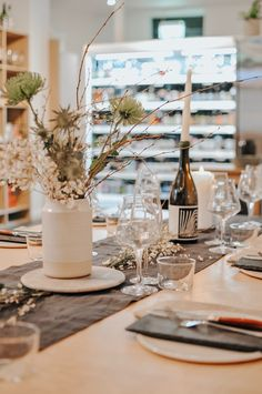 Fancy a night of food and fun? I headed out to Two Belly cheese & beer shop for an evening of Fondue! Table Setting Etiquette, Beer Shop, Table Setting Inspiration, Cheese Lover, Wedding Table Settings, Fun Crafts For Kids, Great Night, Best Places To Eat, Recycle Plastic Bottles