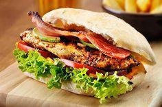 أمريكي يصنع ساندويتش بـ1500 دولار