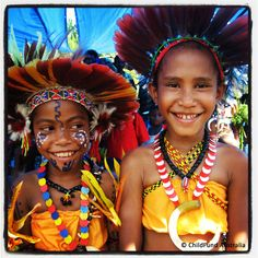 Did you know that more than 850 #languages are spoken in #PapuaNewGuinea? These #girls are at a #ChildFund children's day event in the Central Highlands.