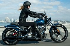 New 2013 Harley-Davidson(R) Breakout(R) motorcycle......This would be good for me!!