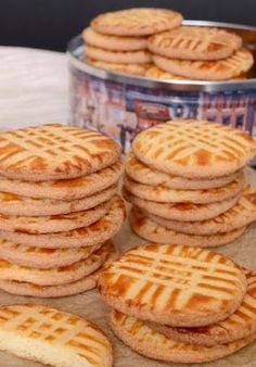 Francia sós vajas keksz - Sables Breton Sweets Recipes, Cake Recipes, Cooking Recipes, Baked Turkey, Salty Snacks, Hungarian Recipes, Gourmet Gifts, Small Cake, Almond Cakes