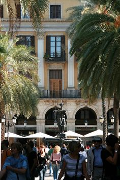 Barcelona,  Plaça Real Moving To Barcelona, Barcelona Travel, Ibiza, Battle Of Lepanto, Places To Travel, Places To Visit, Madrid, Barcelona Architecture, Spain Culture