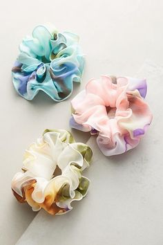 Anthropologie Ruffled Watercolors Pony Holder Set accessories fashion The are Back, and So Are Scrunchies — Here's How to Make Them Look Chic Womens Fashion Online, Latest Fashion For Women, Headband Hairstyles, Diy Hairstyles, Hair Accessories For Women, Fashion Accessories, Diy Hair Scrunchies, Hair Barrettes, Headbands
