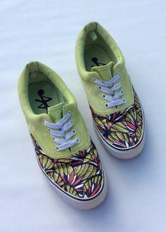 Lime Tropical www.cewax.fr aime ces basket de style ethnique afro tendance tribale tissu wax africain Sneakers imprimer chaussures par 2Woo sur Etsy
