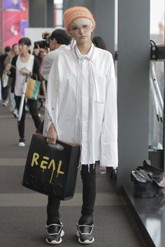 Street style at Tokyo Fashion Week Spring 2017. [Photo: Onnie Koski/WWD] http://spotpopfashion.com/d4av