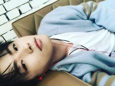 "Polubienia: 5,177, komentarze: 128 – blockb_official (@blockb_official_) na Instagramie: ""#유권 #ukwon  요즘 날씨가 너무 좋아요~"""