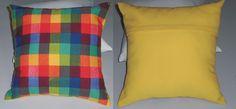 Almofada com estampa quadriculada na frente e costas na cor amarela, em tecido Oxford. 41cm x 41cm.