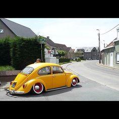 Old School. ❤ #vw #bug #beetle #stancenation - taken by @Stance Nation - via http://instagramm.in