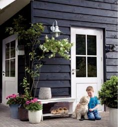 I like the way the wood/door is framed Outside Living, Outdoor Living, Outdoor Decor, Exterior Colors, Exterior Paint, Dream Garden, Home And Garden, House Cladding, Garden Studio