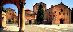 Piazza Santo Stefano: il secondo fine settimana del mese la piazza è animata dalle bancarelle del mercato dell'antiquariato