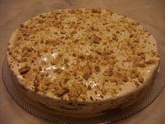 """Mais uma receita do livro """" a minha cozinha """" da Clara de Sousa . Delicioso este bolo, segundo o meu filho """" o melhor bolo de bolacha que j..."""