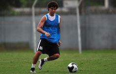 Sem Lucas Lima, Victor Ferraz quer ser garçom contra o Água Santa  http://santosjogafutebolarte.comunidades.net/seu-placar-de-santos-x-agua-santa